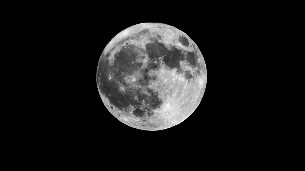 https___cdn.cnn.com_cnnnext_dam_assets_180826115242-03-summer-full-moon